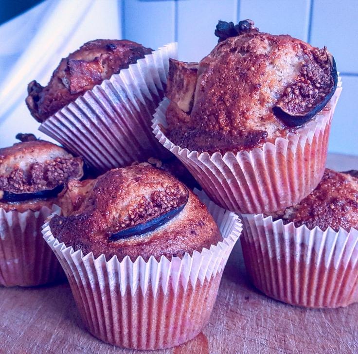 Muffins d'autunno con mele fichi e noci